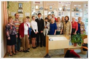 В школьном музее Николая Гумилева